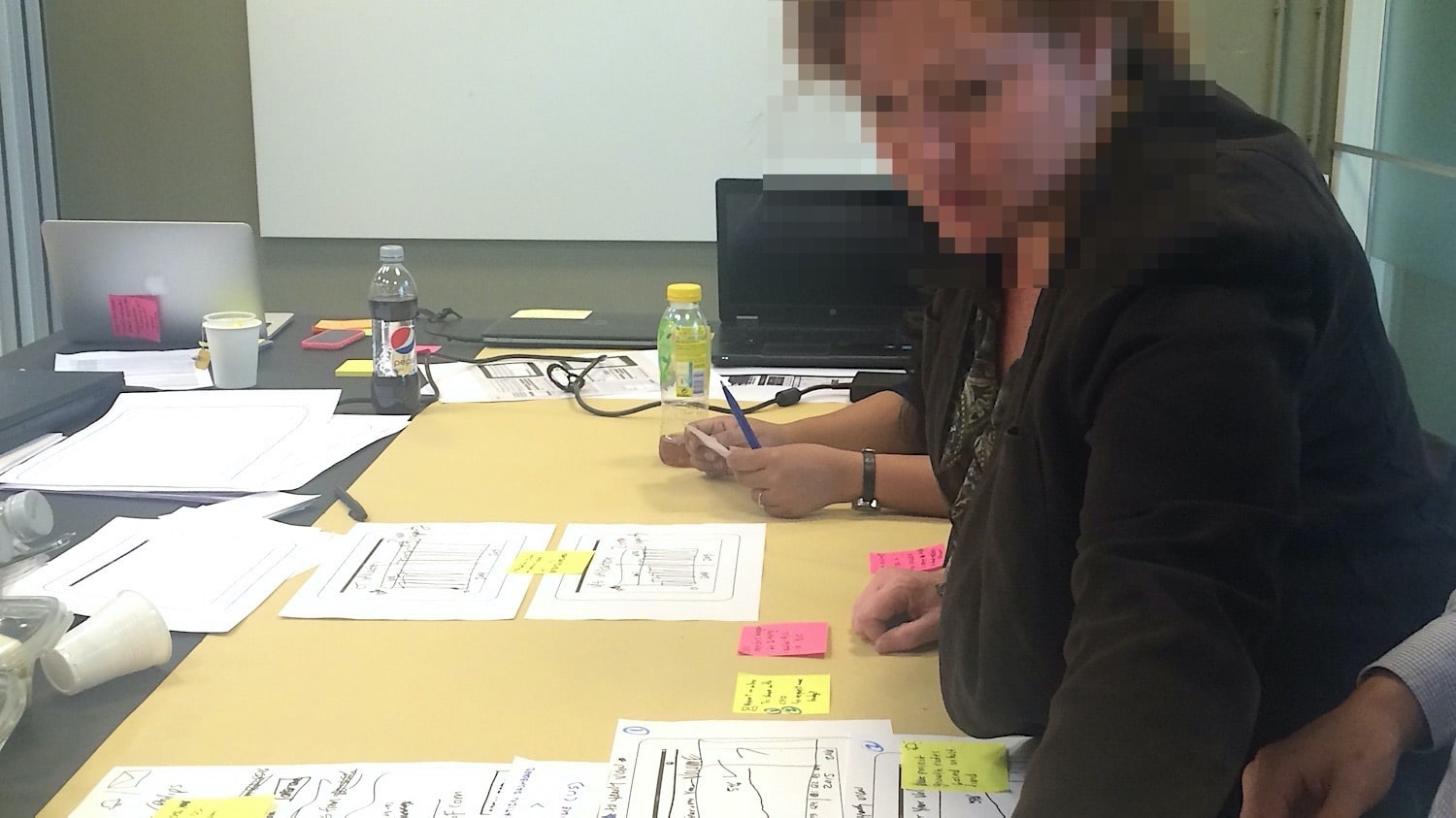 stakeholder providing ideas about the dashboard during an ideation workshop